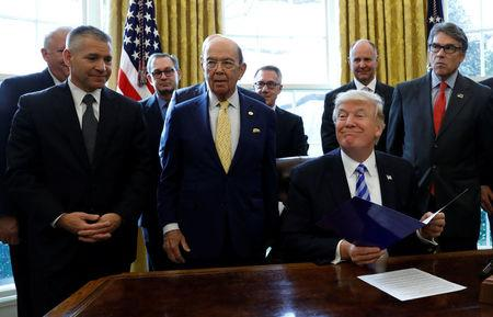 Trump makes Keystone XL pipeline announcement in Washington