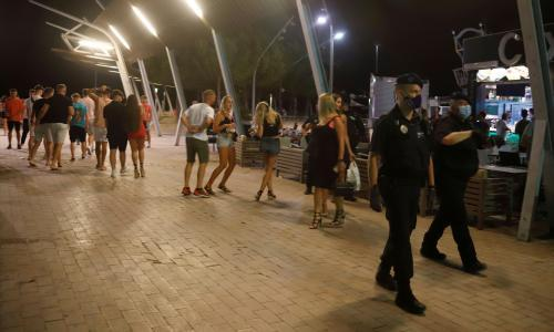 Magaluf main strip shut down after outcry over drunk and maskless tourists