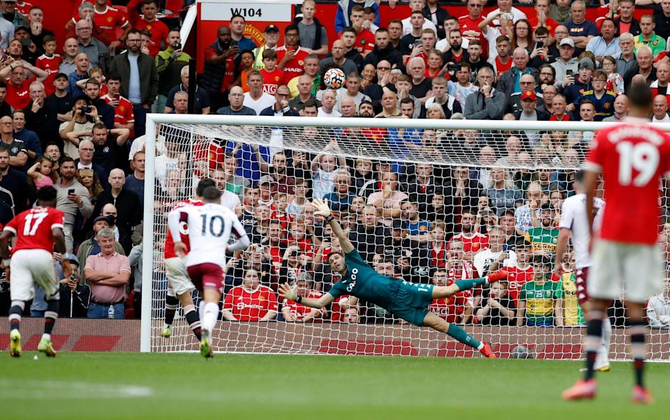 Bruno Fernandes blazes penalty over the bar as Manchester United lose to Kortney Hause header - REUTERS