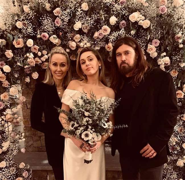 Miley-Cyrus-wedding-bouquet