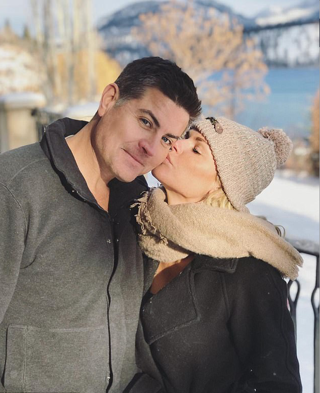 Sophie Monk and Stu Laundy at the Silver Star Mountain Resort in Canada. Source: Instagram