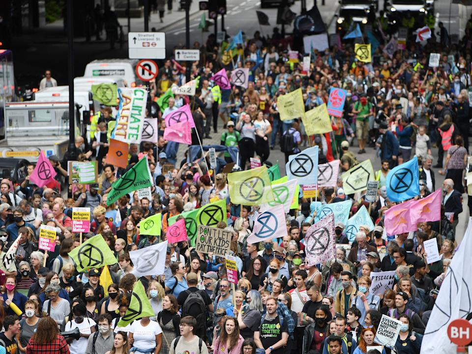 Hundreds of supporters called for action to end support for fossil fuels (EPA)