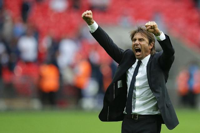 Chelsea's head coach Antonio Conte celebrates victory after an English Premier League football match against Tottenham Hotspur at Wembley Stadium in London, on August 20, 2017 (AFP Photo/Daniel LEAL-OLIVAS)
