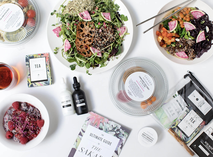 "<p><strong>How it works:</strong> Sakara Life is a meal supplier that offers a rotating menu every week with seasonal, plant-based, superfood-heavy (and Instagram-worthy) meals like salads, sandwiches, protein waffles, and more. Each delivery includes up to three meals per day (breakfast, lunch, and dinner) as well as a daily detox tea and a 5-day supply of Sakara's Complete Probiotic. </p> <p><strong>Cost:</strong> A weekly, five-day plan for one person starts at $70 per day. A one-time purchase for five days costs $82 per day.</p> <p><strong>Availability:</strong> Sakara Life ships to all cities in the contiguous U.S., but program options depend on your delivery area. You can see what's available based on your zipcode <a href=""https://cna.st/affiliate-link/BRb9NR819goVH5rvcvL8swiF8UFzv7FDZhrc6nPyjQSHYrymgqqQ6iohLcMaaV4Zvjak5VE1gAnDXnaBZJNLuB24UVpGd2GqUXpV6HN6vwCtHAMkeg511QTR53eng7D76QgmHNrTUjAXECjyFpnVTzgTsEBTiMeMLuNo3sjC76kXjWYhXR7XoQM5AeUV697Wy5ynDAmoUtLUUwfSthnGEGzfePMi9AHq?cid=602c9a6b531f32713592e6d0"" rel=""nofollow noopener"" target=""_blank"" data-ylk=""slk:here"" class=""link rapid-noclick-resp"">here</a>.</p> <p><strong>What customers are saying:</strong> ""I love Sakara for so many reasons! I've been getting delivery for 4 years now. It is my go-to for healthy, clean eating—it's delicious and easy for a mom on the go! Thank you Sakara Life <span>—<a href=""https://cna.st/affiliate-link/bqSN6QFjsPoCzs7fuXkdxSeg2pEVvZ8bQvAapesMtg4troUQwY17XYrmE724fp2WGijUGhp8btN3wp4NXGBAfsLbYJS4a4w2v81H7Mfv1NQBaxViU4ZKQnrRpoDGYKudsjZGJZhj4cq2dnmhaHjXiFidXYuNLdy4BtSaaiJPK8y8SoBfNKAuRh8c3NsDGJRyYfkTcXC7Zocdgrb96aiyzzJivtXQghvCfPgnWBVTGTBgNYq43ToavKyZ7rW6kh6NshtbGc9Jtj56ZYVdXsiEF6j6K2ST8SDyU7ynJ9uKMitrqZdojwNMrUA2Vi6QUK7VfBTf5tv3SuaQq2dRjHQn23WNuCA1r5aLKYUscCUm4NA?cid=602c9a6b531f32713592e6d0"" rel=""nofollow noopener"" target=""_blank"" data-ylk=""slk:Lily Aldridge"" class=""link rapid-noclick-resp""><em>Lily Aldridge</em></a></span></p> $70, Sakara. <a href=""https://www.sakara.com/pages/signature-omd"" rel=""nofollow noopener"" target=""_blank"" data-ylk=""slk:Get it now!"" class=""link rapid-noclick-resp"">Get it now!</a>"