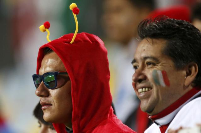 Mexico fans await their team's first round Copa America 2015 soccer match against Bolivia at Estadio Sausalito in Vina del Mar, Chile, June 12, 2015. REUTERS/Henry Romero