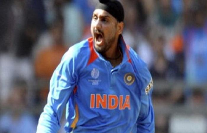 Harbhajan lashes out against 'racist' Jet Airways pilot