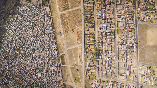 <p>Thembisa, Johannesburg South Africa, 2016. (Photograph by Johnny Miller/Caters News) </p>