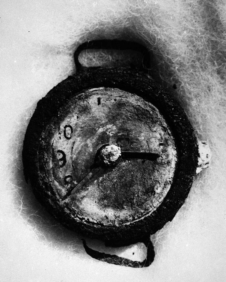 <p>A watch stopped at 8:15 a.m. found in the wreckage of Hiroshima after the atomic bomb was dropped in World War II. (Universal History Archive/UIG via Getty Images) </p>