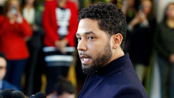 PHOTO: Jussie Smollett speaks with members of the media after his court appearance at Leighton Courthouse on March 26, 2019, in Chicago. (Nuccio DiNuzzo/Getty Images)