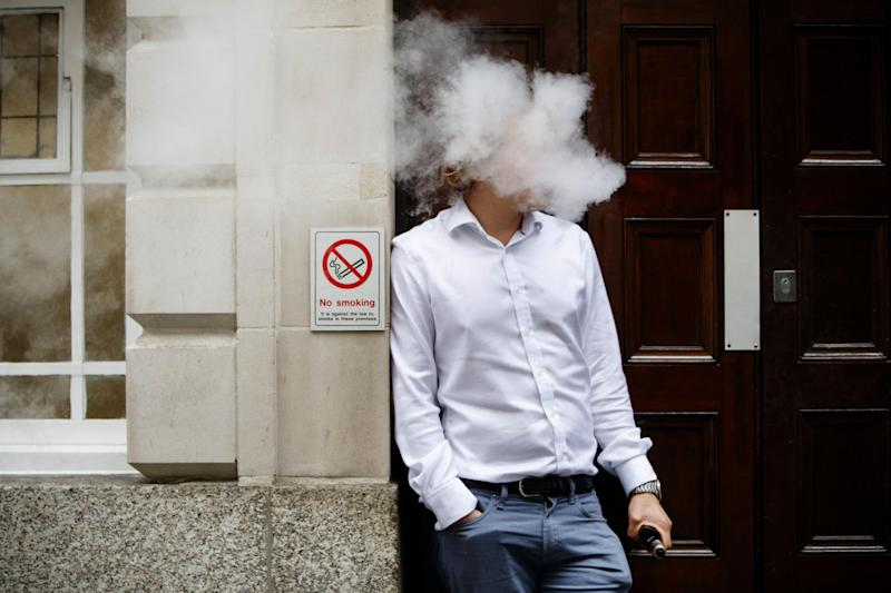 PHE are advising people to use the smokefree app to quit (Photo: TOLGA AKMEN/AFP/Getty Images) (AFP/Getty Images)