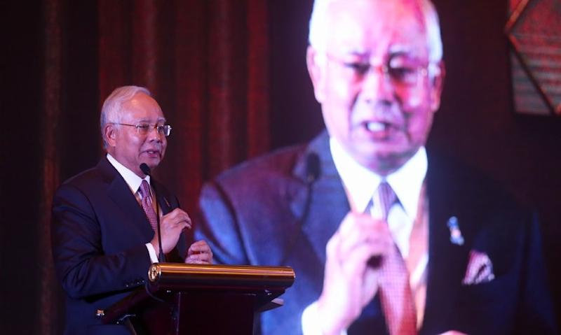 Dr M won't pass the PM baton to Anwar, says Najib