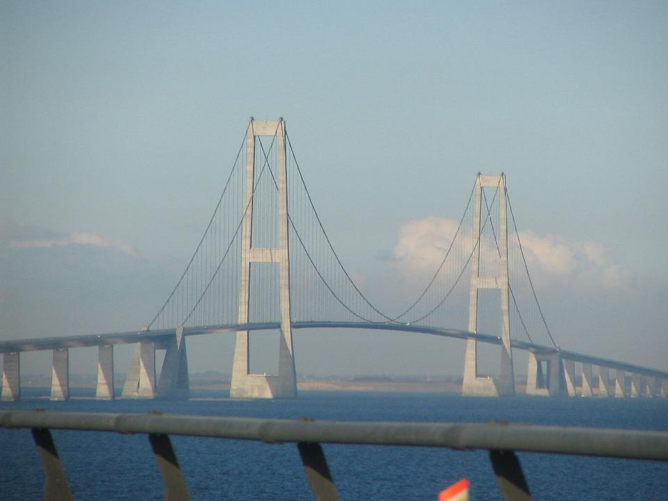 <p><b>3. Great belt bridge</b></p> <br><p>The Great Belt Fixed Link (Danish: Storebæltsforbindelsen) is the fixed link between the Danish islands of Zealand and Funen across the Great Belt. It consists of a road suspension bridge and railway tunnel between Zealand and the island Sprogo, as well as a box girder bridge between Sprogo and Funen</p> <br><p>By Tone V. V. Rosbach Jensen [CC-BY-SA-2.5 (www.creativecommons.org/licenses/by-sa/2.5)], via Wikimedia Commons</p>