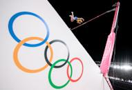 <p>TOKYO, JAPAN - AUGUST 03: Armand Duplantis of Team Sweden competes in the Men's Pole Vault Final on day eleven of the Tokyo 2020 Olympic Games at Olympic Stadium on August 03, 2021 in Tokyo, Japan. (Photo by Matthias Hangst/Getty Images)</p>