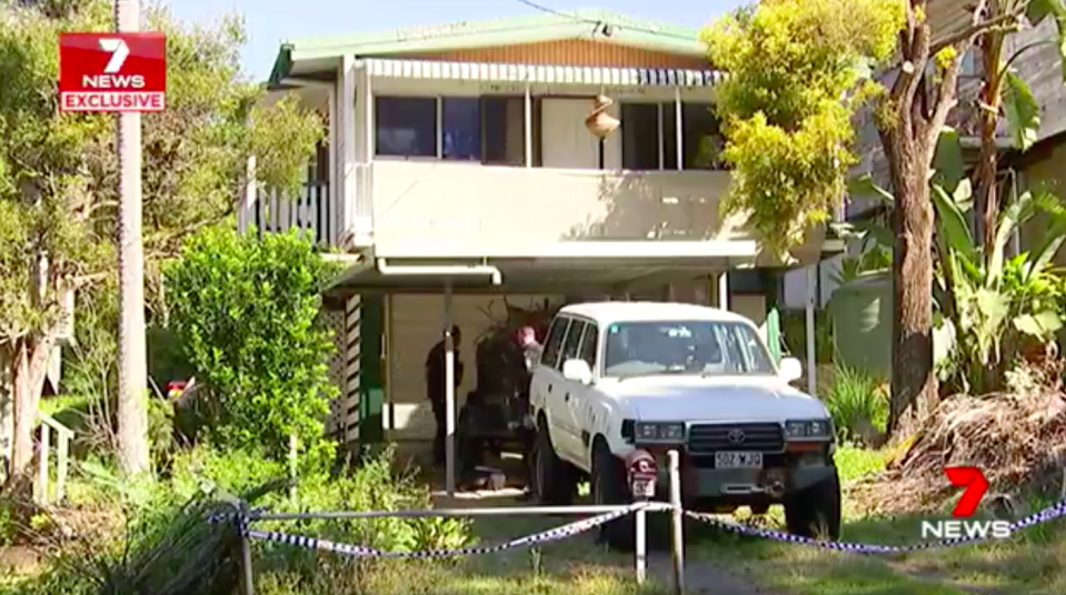 Queensland police are investigating claims that a woman was held captive and assaulted inside a house at Seventeen Mile Rocks. Source: 7 News