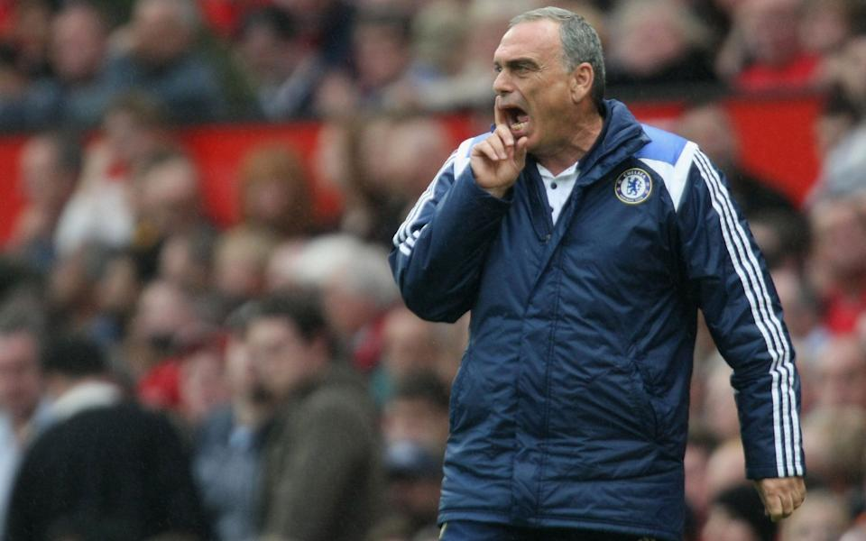 Avram Grant of Chelsea shouts instructions from the touchline during the Barclays FA Premier League match between Manchester United and Chelsea at Old Trafford on September 23 2007 in Manchester, England. - GETTY IMAGES