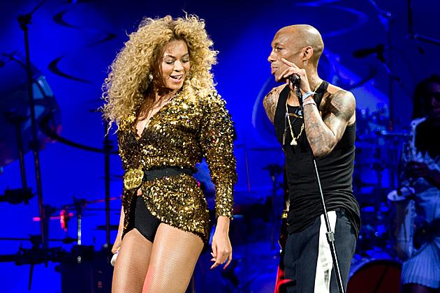 Beyonce treated fans to a collaboration with singer Tricky during a mind-blowing set on Glastonbury 2011's Pyramid stage.