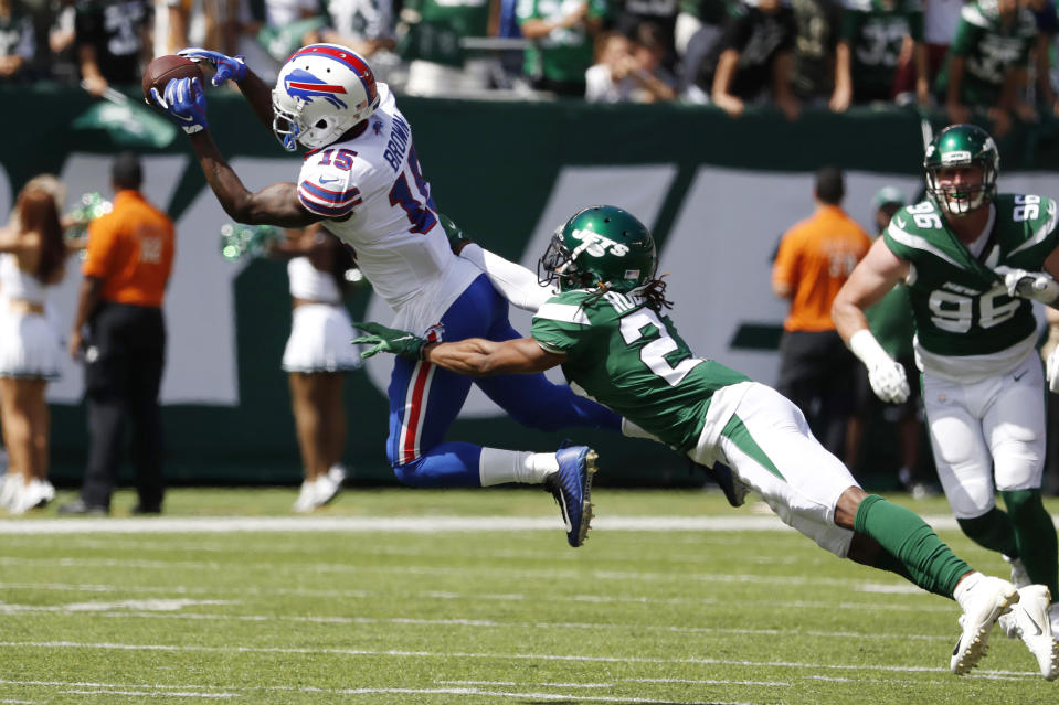 John Brown #15 of the Buffalo Bills makes a catch over Darryl Roberts #27 of the New York Jets during the first quarter at MetLife Stadium on September 08, 2019 in East Rutherford, New Jersey. (Photo by Michael Owens/Getty Images)