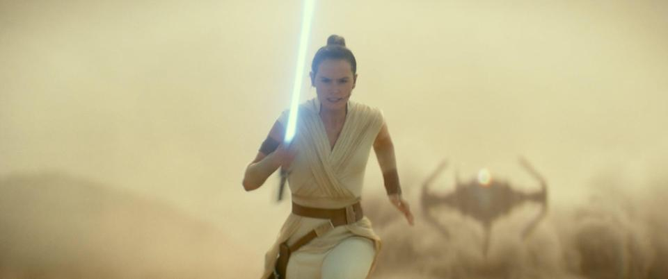 What Is the Symbolism Behind a Yellow Bladed Lightsaber?