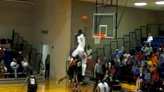 Javonte Douglas putback may be dunk of the year
