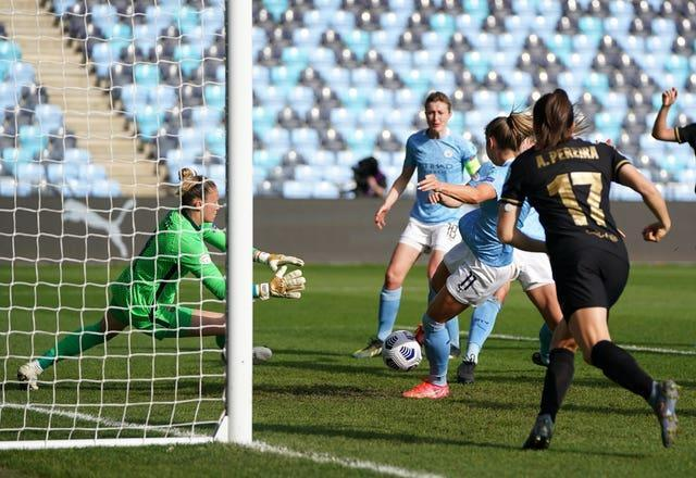 Janine Beckie put Manchester City ahead