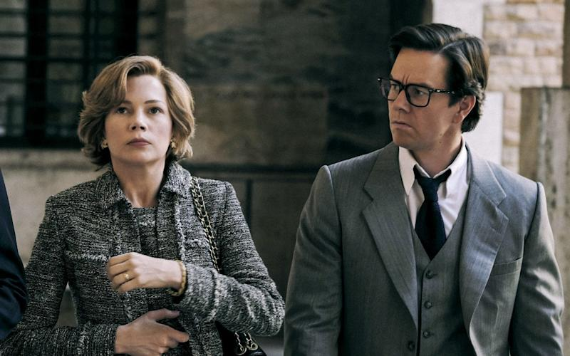 Michelle Williams and Mark Wahlberg in All the Money in the World - ©2017 ALL THE MONEY US, LLC. ALL RIGHTS RESERVED.