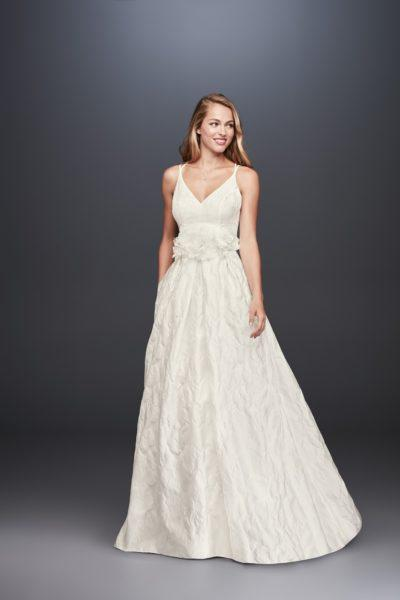 d1593b3de9a4 15 wedding dresses with pockets so you can scream,