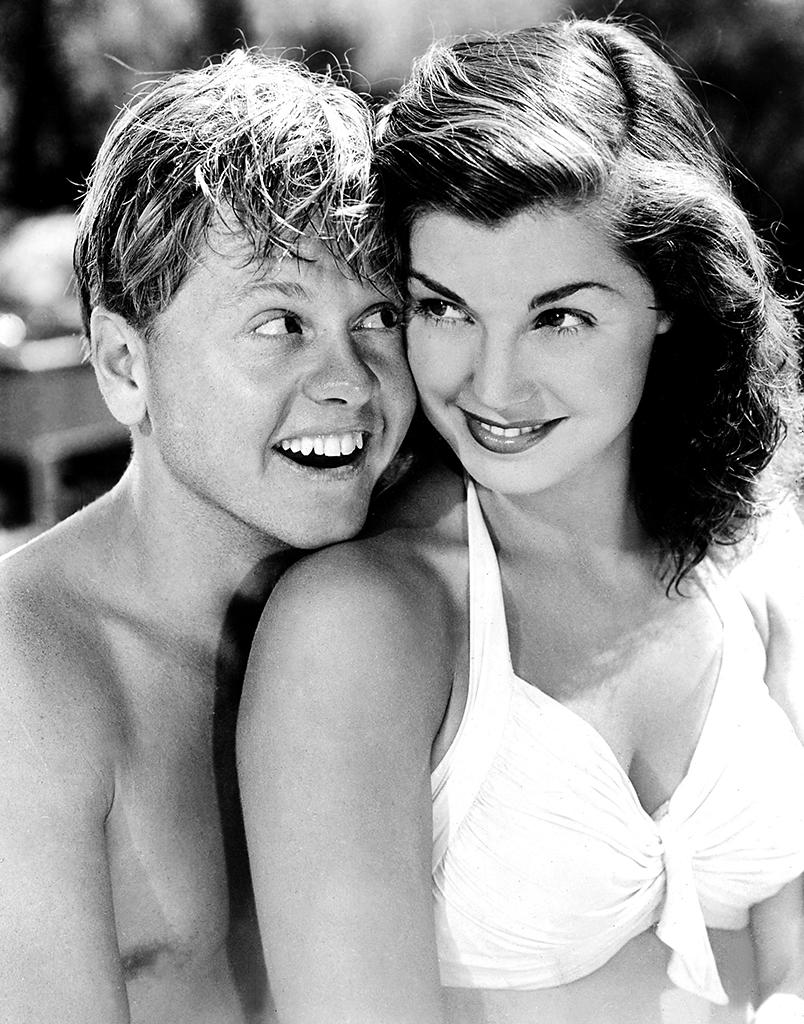 ANDY HARDY'S DOUBLE LIFE, Mickey Rooney, Esther Williams, 1942