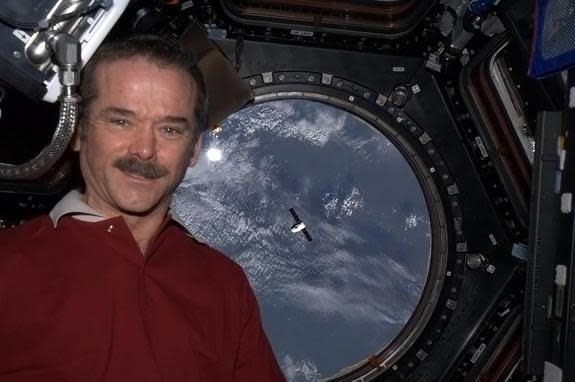 Queen Elizabeth II Congratulates 1st Canadian Space Station Commander