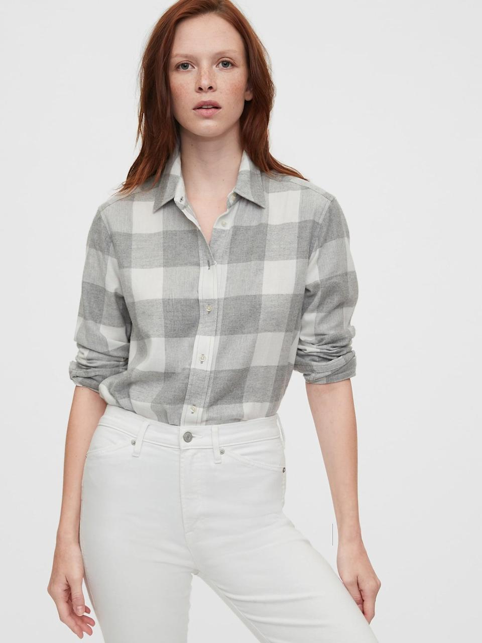<p>Pair this <span>Gap Grey Plaid Everyday Flannel Shirt</span> ($40) with a great pair of white jeans for a rugged winter-whites look!</p>