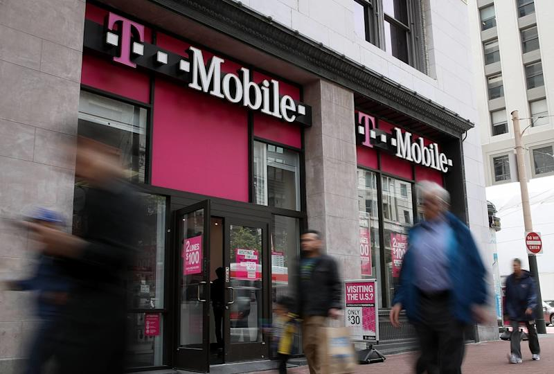 T-Mobile's No-Fee Checking Gets Big Marketing Push. Here's What You Need to Know