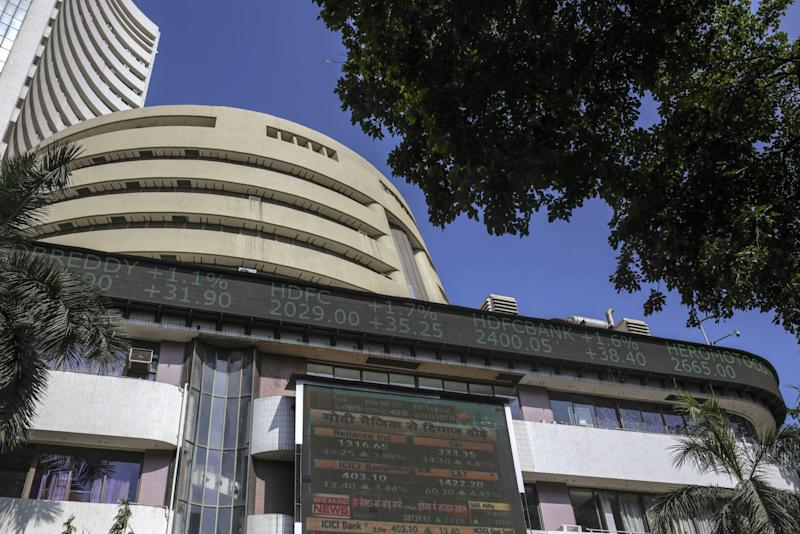 Indian Stocks Decline After Top Court Rejects Relief to Telcos