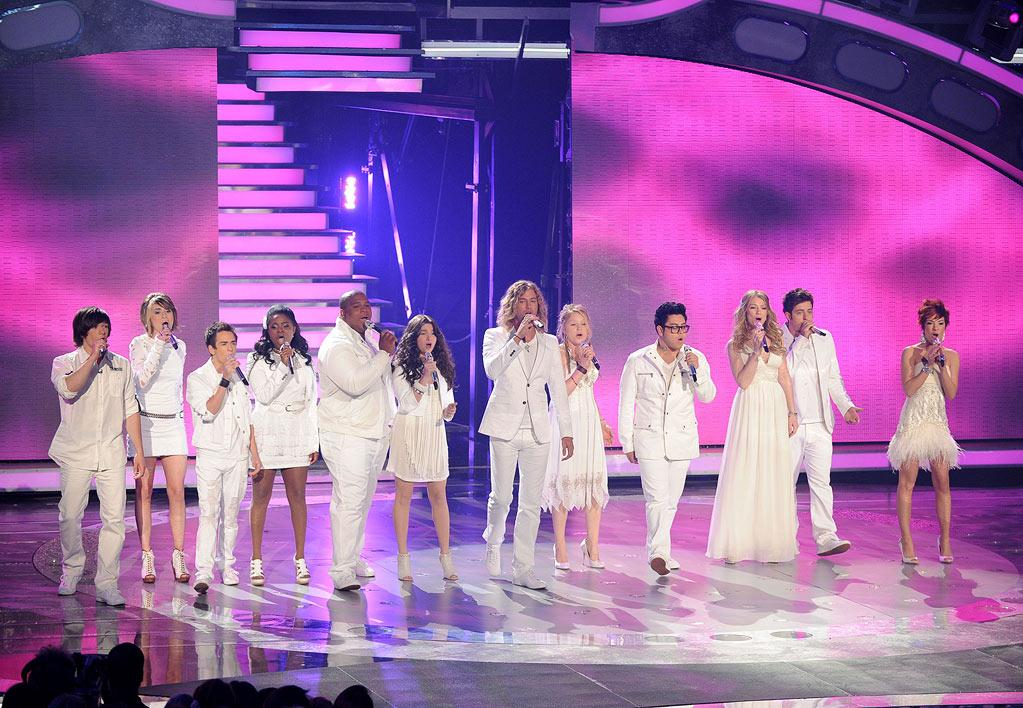 """The Season 9 Top 12 contestants perform on <a href=""""/american-idol/show/34934"""">""""Idol Gives Back.""""</a>"""