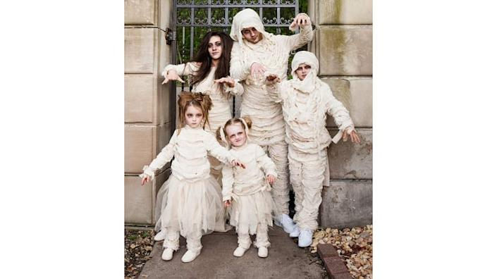 A family of mummies is spookily easy to put together.