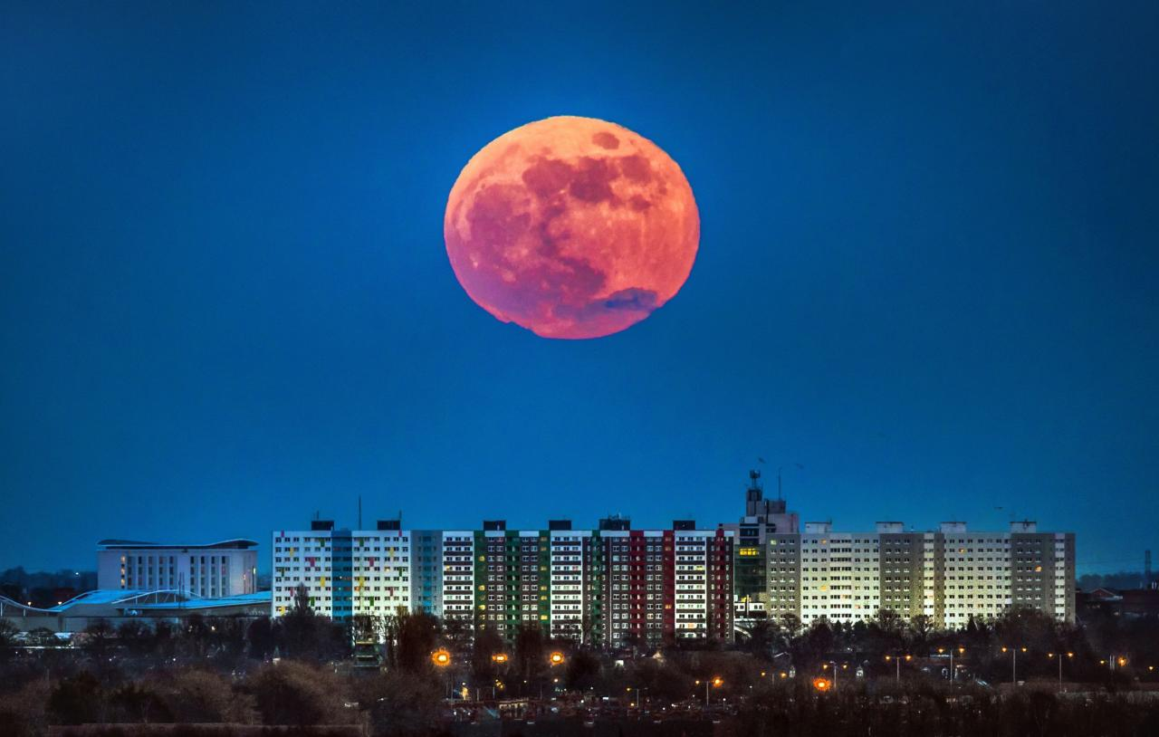 <p>A blue moon, defined as the second full moon in a calendar month, will rise in the sky on Wednesday evening for the first time since July 2015. (Danny Lawson/PA Wire) </p>