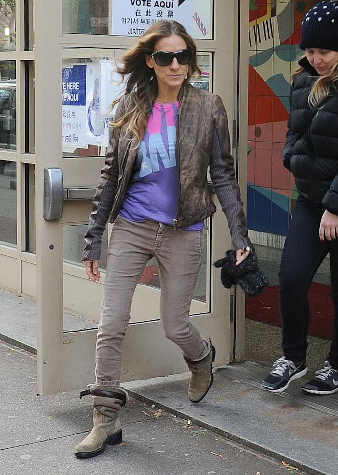 """Sarah Jessica Parker hit the polls in New York City in a """"Viva Obama"""" shirt. The """"Sex and the City"""" actress even threw the president a campaign fundraiser party at her West Village home earlier this year. (11/6/2012)"""