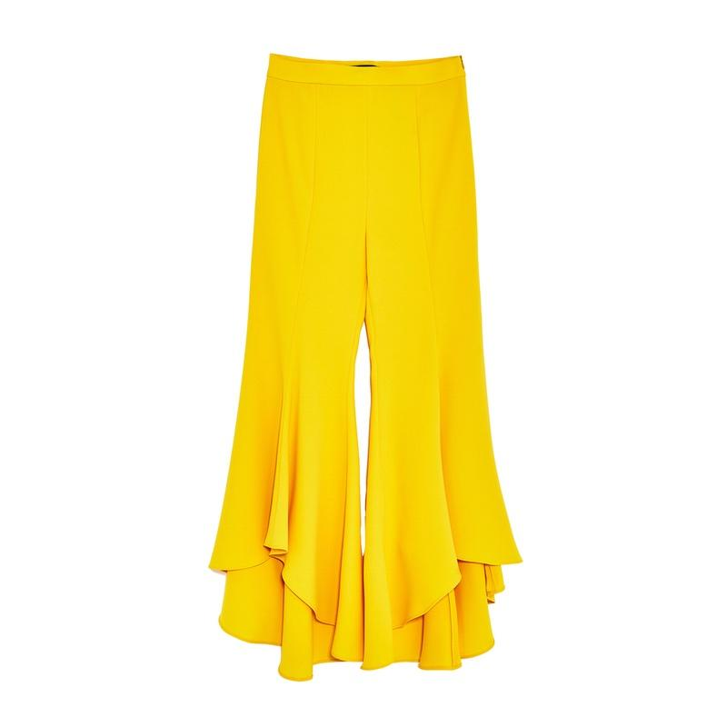 """<a rel=""""nofollow"""" href=""""https://www.zara.com/us/en/woman/trousers/frilled/asymmetric-flare-trousers-c401021p4523061.html"""">Asymmetric Flare Trousers, Zara, $70</a><p>     <strong>Related Articles</strong>     <ul>         <li><a rel=""""nofollow"""" href=""""http://thezoereport.com/fashion/style-tips/box-of-style-ways-to-wear-cape-trend/?utm_source=yahoo&utm_medium=syndication"""">The Key Styling Piece Your Wardrobe Needs</a></li><li><a rel=""""nofollow"""" href=""""http://thezoereport.com/beauty/makeup/ysl-touche-eclat-white/?utm_source=yahoo&utm_medium=syndication"""">YSL's Cult-Favorite Touche Éclat Now Comes In Bright White, And We're Not Sure How We Feel About It</a></li><li><a rel=""""nofollow"""" href=""""http://thezoereport.com/beauty/celebrity-beauty/kendall-jenner-platinum-blonde-hair/?utm_source=yahoo&utm_medium=syndication"""">This Is What Kendall Jenner Looks Like With Platinum Blonde Hair</a></li>    </ul> </p>"""