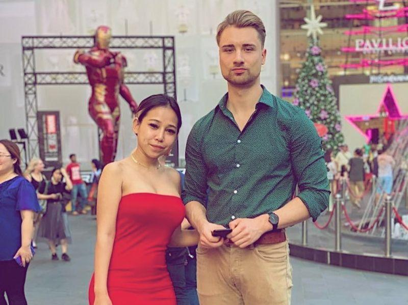 Sara Anna (left) said she was 'sick of Malay men' after having to sit through too many disappointing first dates. — Picture from Instagram/darlingsara_