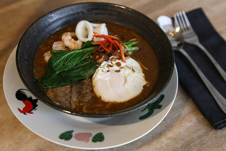 'Mee Bandung' is the real deal here with a delicious beef and dried prawns broth, thickened with sweet potatoes and crushed peanuts