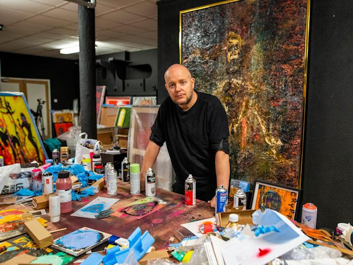 Contemporary artist Lincoln Townley in his studio.