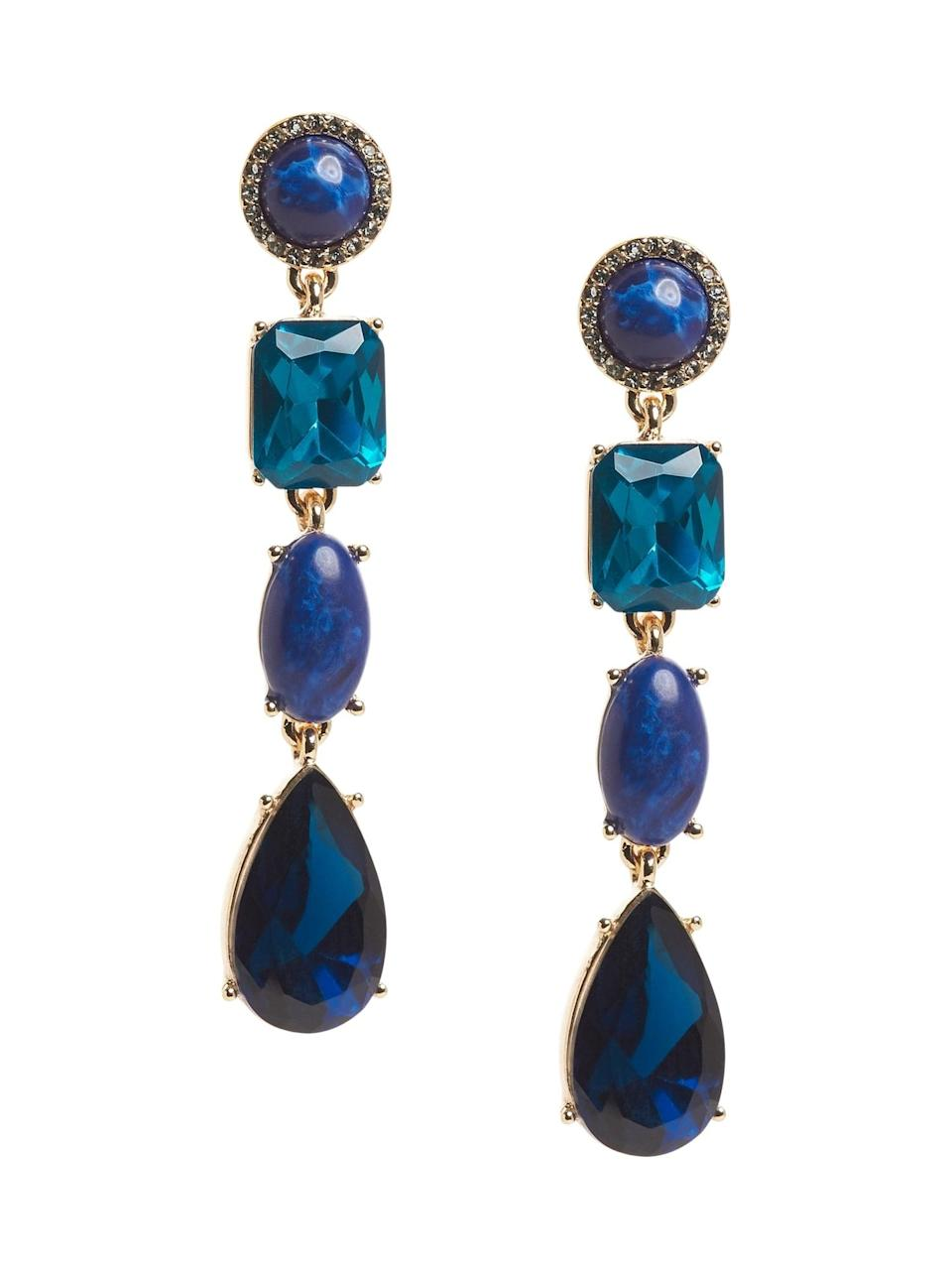 <p>Does she miss the beach? Give her these beautiful <span>Banana Republic Linear Gemstone Earrings</span> ($34, originally $58) with tones of seaside blues!</p>