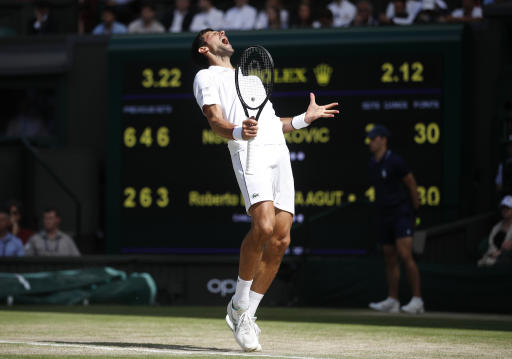 Novak Djokovic Turned Into Les Miles After Beating Federer to Win Wimbledon