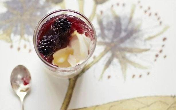 Buttermilk cream and blackberry jelly - Yuki Sugiura