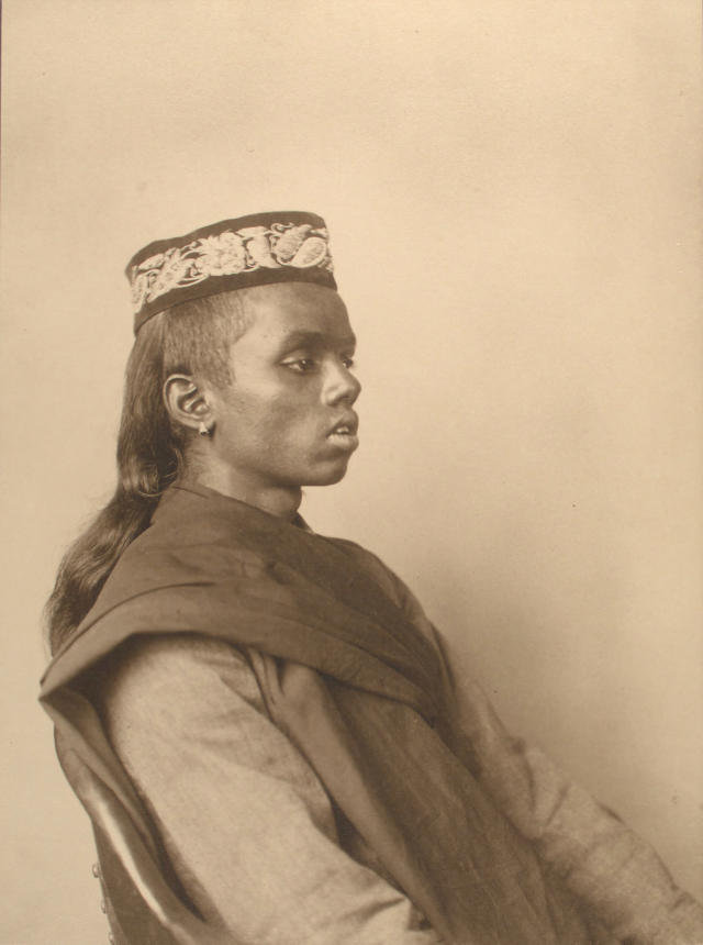 <p>Hindoo boy, 1911. (Photograph by Augustus Sherman/New York Public Library) </p>