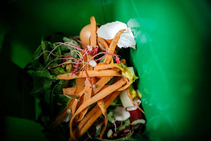 Composting can help cut down on food waste. (Photo: Thomas Trutschel/Photothek via Getty Images)
