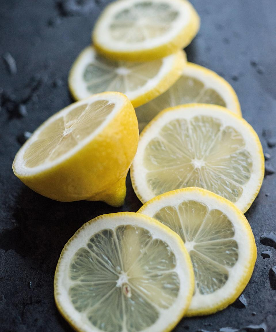 "<h3>Lemon</h3><br>For the sourheads among us, one lemon contains over 30 mg of vitamin C. The citric acid in the tart fruit has also been proven to prevent kidney stones and protect against anaemia.<span class=""copyright"">Photo: Getty Images.</span>"