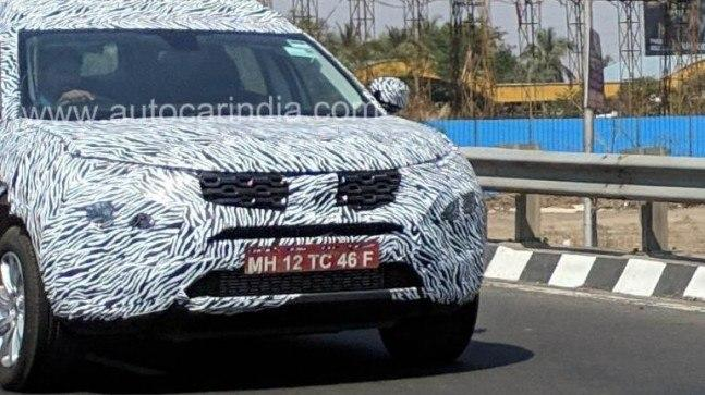 H7X is expected to get a front fascia on the lines of Harrier. The headlamp and grille design might be inspired from the five-seater SUV. However, the roof rails make H7X look taller.