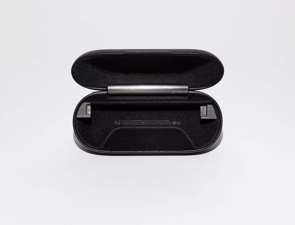 <p>Ray-Ban Stories Case</p>