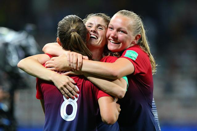 Norway players celebrate their sides victory after a penalty shootout during the 2019 FIFA Women's World Cup France Round of 16 match between Norway and Australia at Stade de Nice on June 22, 2019 in Nice, France. (Photo by Craig Mercer/MB Media/Getty Images)