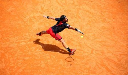 Tennis - ATP World Tour Masters 1000 - Italian Open - Foro Italico, Rome, Italy - May 16, 2018 Italy's Fabio Fognini in action during his second round match against Austria's Dominic Thiem REUTERS/Tony Gentile
