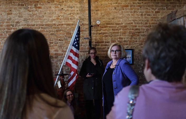 Sen. Claire McCaskill campaigns in Springfield, Mo. (Photo: Holly Bailey/Yahoo News)